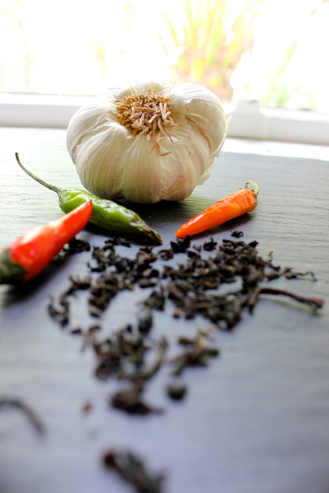 black tea garlic habenero